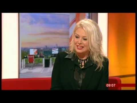 KIM WILDE-WILDE WINTER SONGBOOK-BBC BREAKFAST- 2.DEC.2013