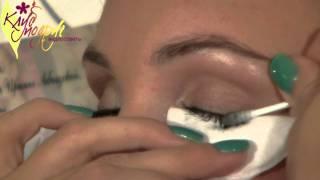 видео Как правильно снимать макияж с глаз?