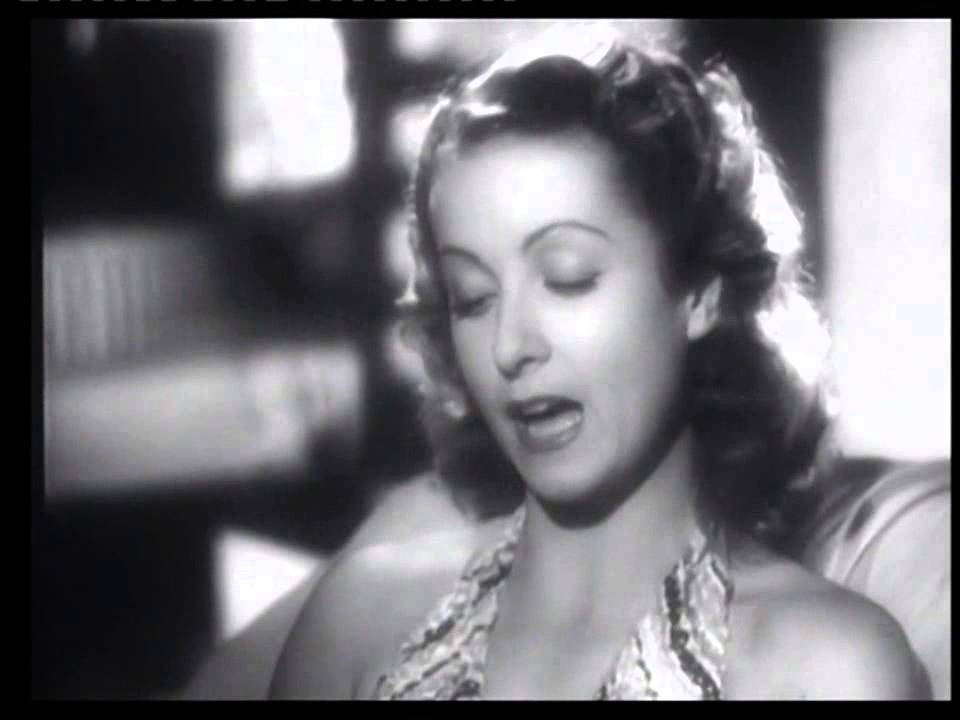 """Danielle Darrieux en 1939 - Une Charade, du film """"Battement de cœur"""""""