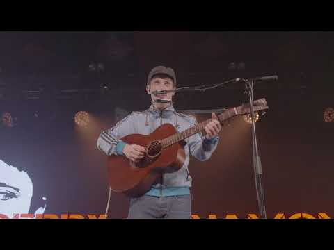 GERRY CINNAMON - LIVE @THE BARRAS - SOMETIMES, WHAT HAVE YOU DONE