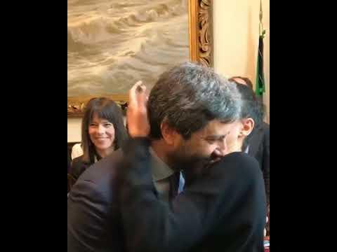 roberto fico il bacio con la moglie dopo l 39 elezione alla