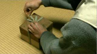 A Way Of Knot A Lace Of Wooden Box For Tea Ceremony. 桐箱紐の結び方
