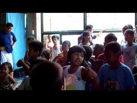 Pasig River kids