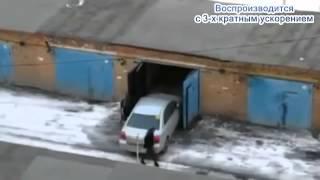 смешное видео! приколы на дороге 2013! бабы за рулем!