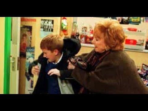 Coronation Street - Rita Sullivan Hits Chesney Brown (12th January 2004)