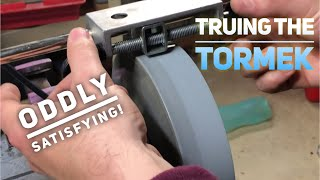 Oddly Satisfying - Maintaining The Tormek Wheel with the Truing Tool