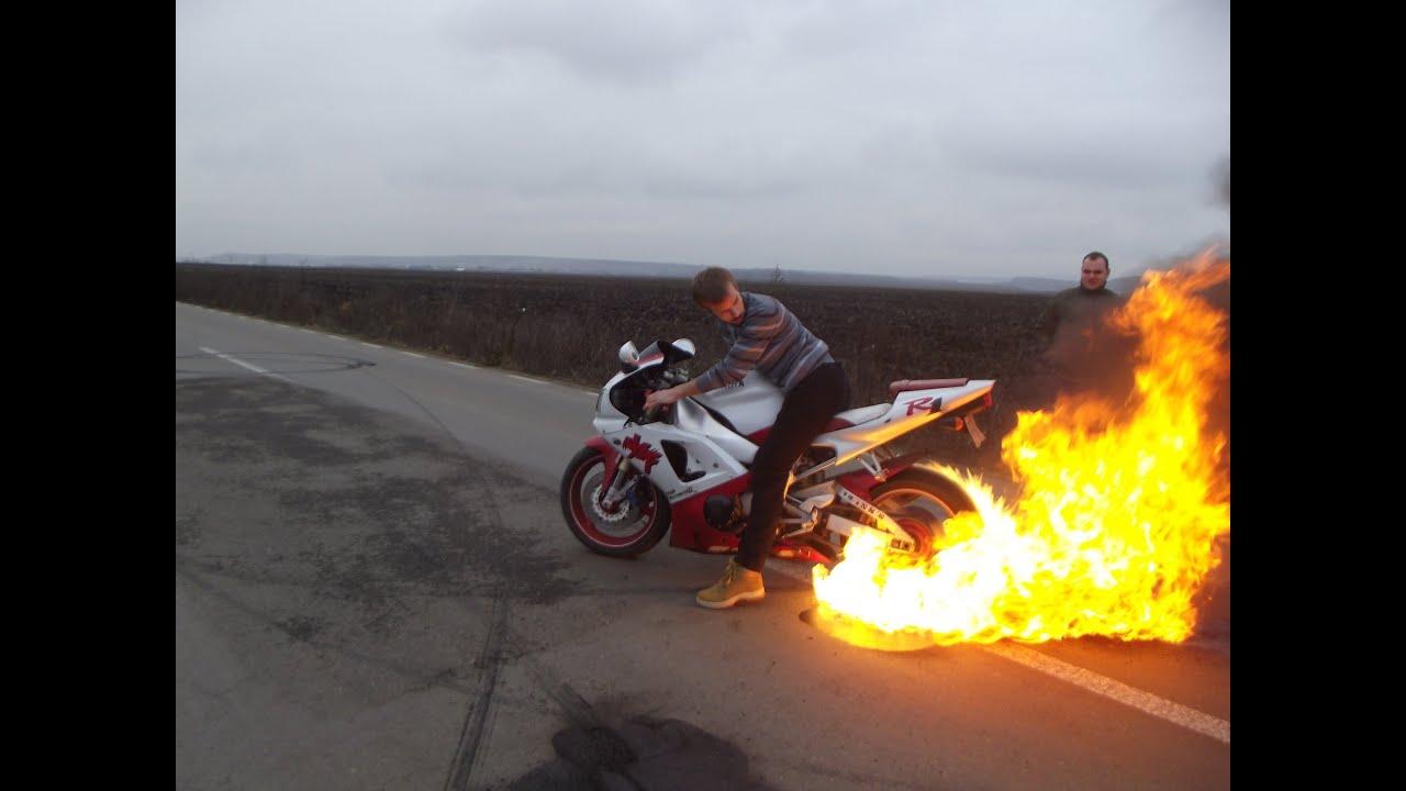 Insane BurnOut Yamaha R1