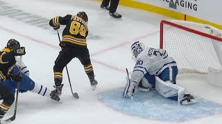 Pastrnak goes between the legs for unreal PPG