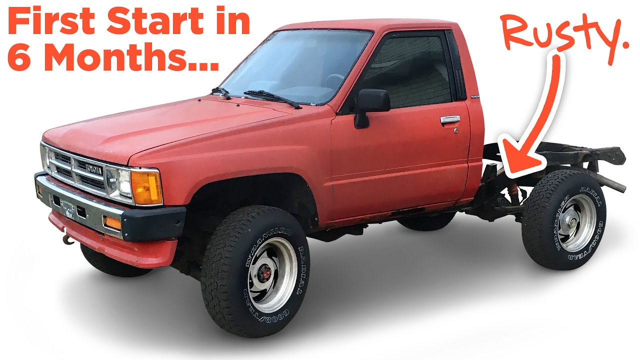Gutting The Interior 1987 Toyota Pickup 4wd Youtube
