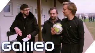 Selbstexperiment: Fußballschiedsrichter - Von allen gehasst! | Galileo | ProSieben