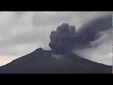 Kelud Volcano Erupts on 14 Feb 2014