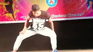 Freestyle Dancing in Vidhan Munch in Raiganj danced by #Bishnu kumar