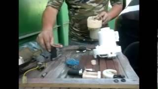 видео Замена топливного фильтра на Grand Starex