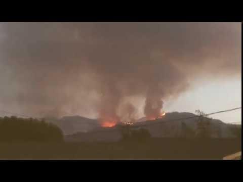 Massive Fire in La Tuna Canyon in burbank California