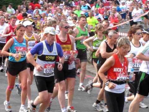 London Marathon 2011, Woolwich Ferry roundabout, 5. km