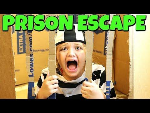 BOX FORT PRISON ESCAPE!!! BOXFORT JAILBREAK!