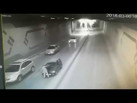 Man injured in car accident in Amman's tunnel