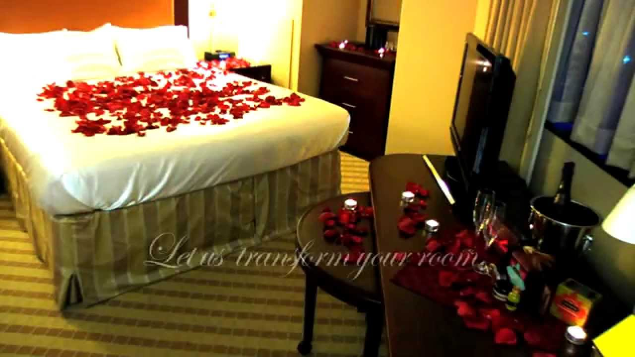 Decorate a romantic hotel room any hotel or b b in the u for Room decor ideas for husband birthday