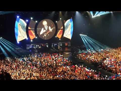 Indochine Lille 23 Mai 2018 - Un été Français - Surprise Du Public