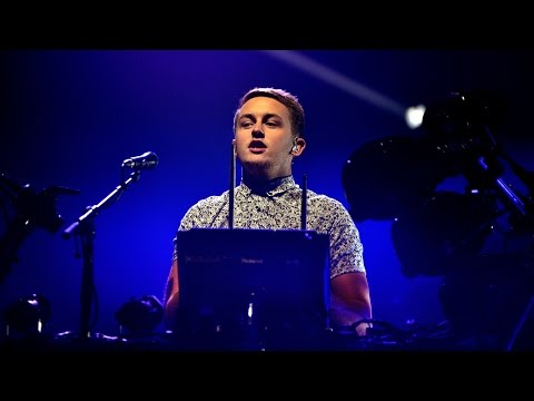 Disclosure (Live) - When A Fire Starts To Burn at Reading 2014