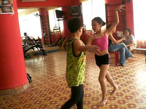 Viet Nam kid bellydance - Samba bellydance fusion- Sadie VN bellydance