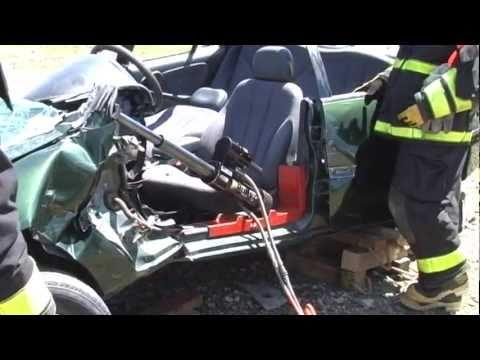 Hurst Extrication Tools Demo - Mount Jewett VFD