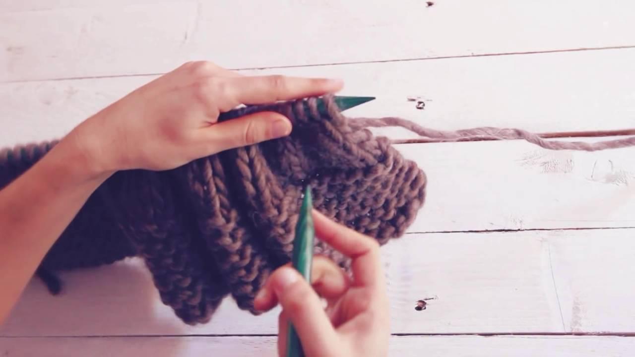 Como fazer uma gola capuz em tricô - YouTube ecfc933fded