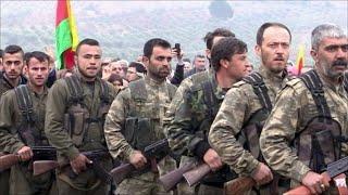 Турецкая армия создает буферную зону в Сирии и требует не называть свои действия вторжением.