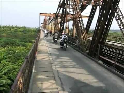 Le pont Long Bien à Hanoï (YT1).wmv