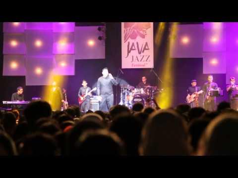TULUS - Jatuh Cinta Java Jazz Festival 2014