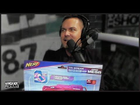 The Woody Show - Menace's White Elephant Game