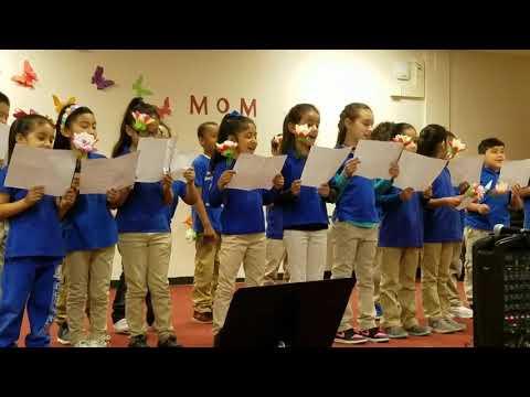 "1st. Grade singing ""Mamá"" Belmont Cragin Elementary School"