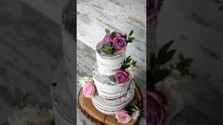 Торт с розами и суккулентами