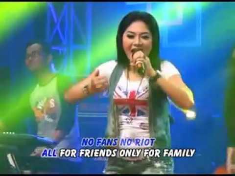 Download Lagu Ratna Antika - Families SKaKinG