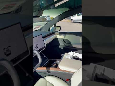 Tesla starts delivering a redesigned Model X electric car