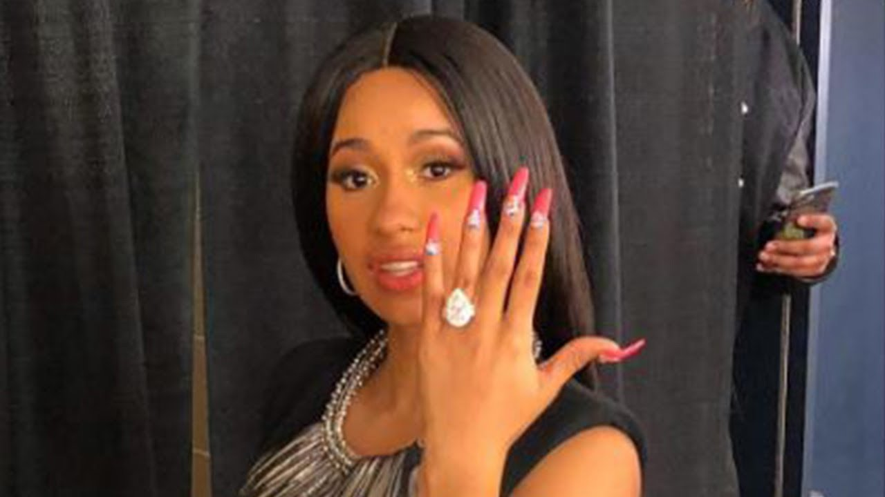 Cardi B Fiance: Cardi B Gets ENGAGED On Stage & Her Reaction Is Priceless