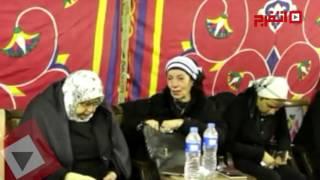 رجاء حسين تنهار من البكاء في عزاء الراحل حمدي أحمد (اتفرج)