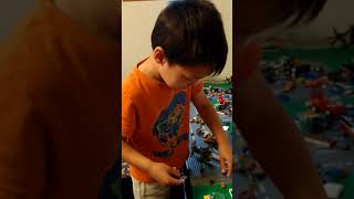 Download Mp3 Axel playing Lego