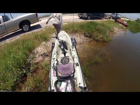 Yakin for Redfish - Louisiana - Sportsman TV - Full Episode
