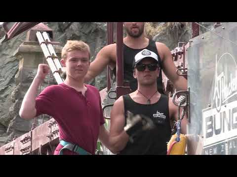 henry elliott 2nd bungy jump video New Zealand 2017