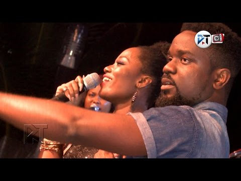 Sarkodie ft Efya - Am in love with you now @ Efya's Loaded Party Show