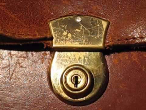 Picking An Old Suitcase Lock TUTORIAL