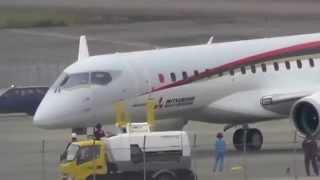 速報 MRJ(Mitsubishi Regional Jet)初めての走行テスト終了