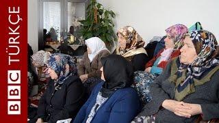 AKP ve CHP kadınlara nasıl ulaşıyor? - BBC TÜRKÇE