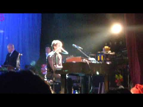 Hanson - someday at Christmas ( finally it's Christmas tour 2017) Manchester