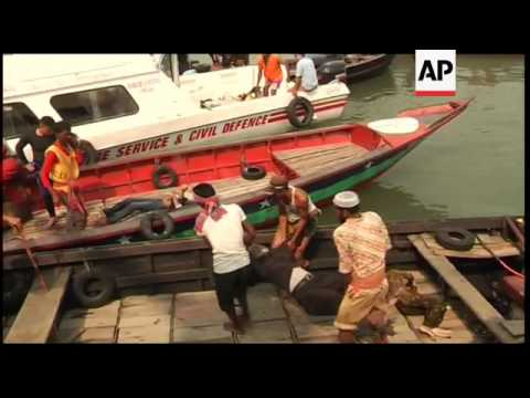 Bangladesh - River ferry with about 200 passengers capsizes, killing dozens