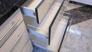 видео Выдвижные корзины для кухни: конструкции и механизм работы