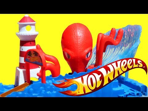 New Hot Wheels City Cars and Playsets! Creatures take over! Watch out for the Shark!