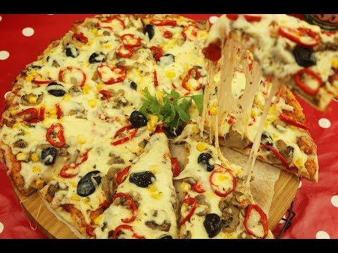 صورة  طريقة عمل البيتزا اروع 4 طرق لعمل البيتزا أفضل من المحلات بالجبنة المطاطية الشهية مع رباح محمد طريقة عمل البيتزا من يوتيوب