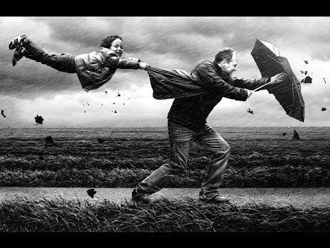 Sợ gió cuốn cha đi – với con là nỗi sợ lớn nhất cuộc đời